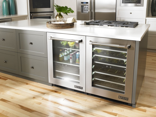 4 Key Things You Need to Know Before You Purchase a New Wine Refrigerator
