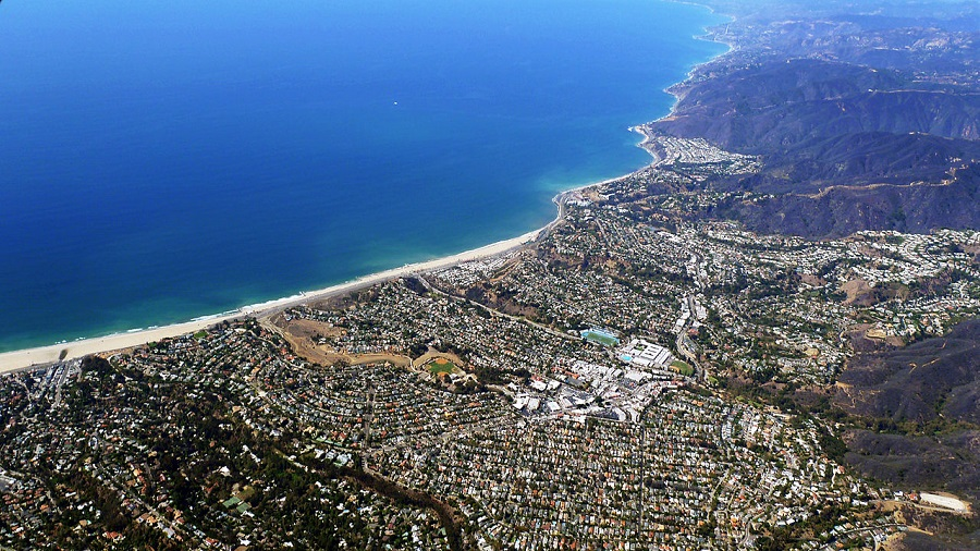 Pacific Palisades and Will Rogers State Beach, Californi